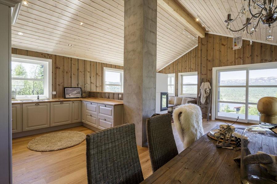 Interiør i arkitekttegnet hytte