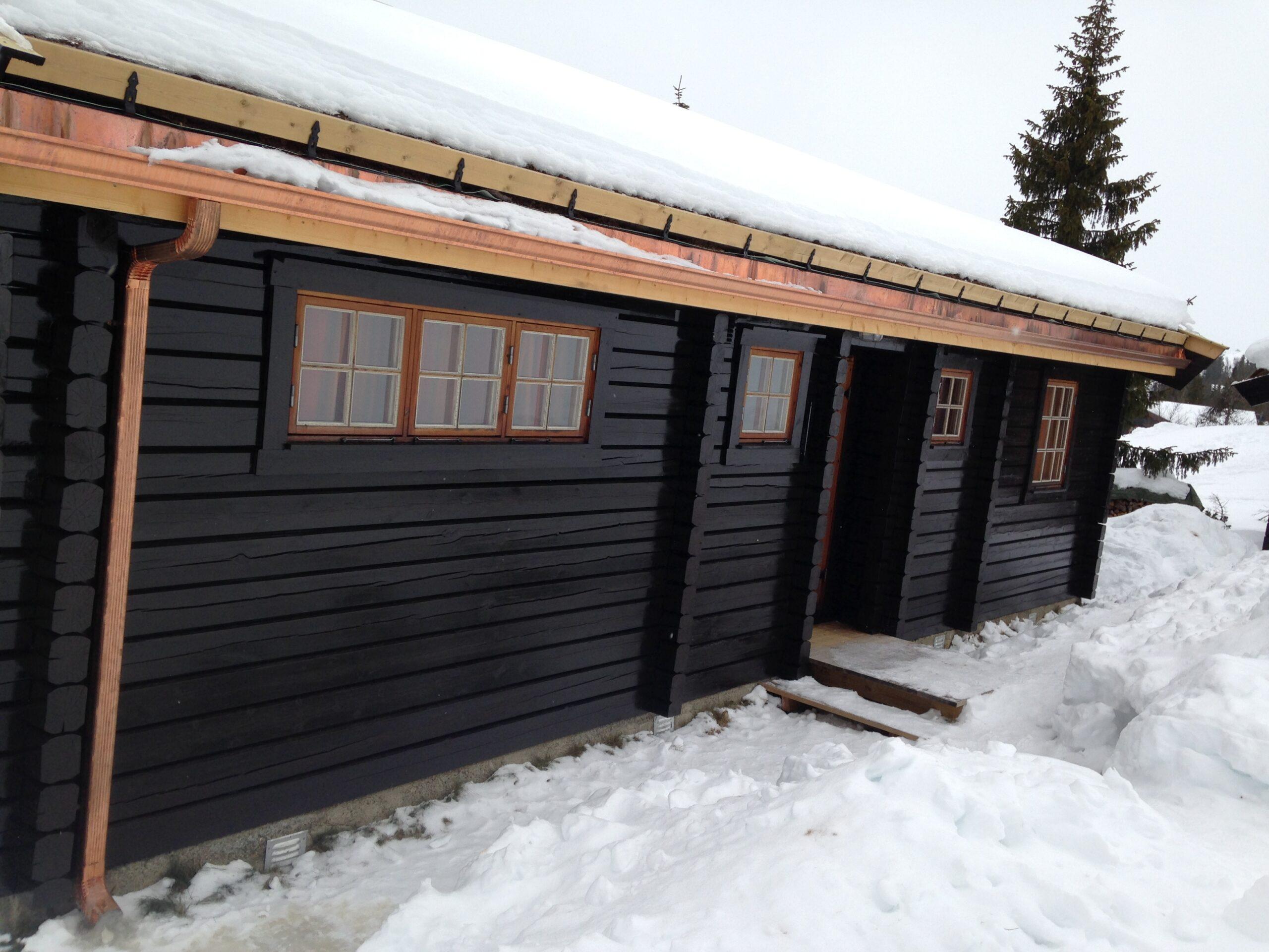 kobber takrenne nedløp torvtak hytte på fjellet